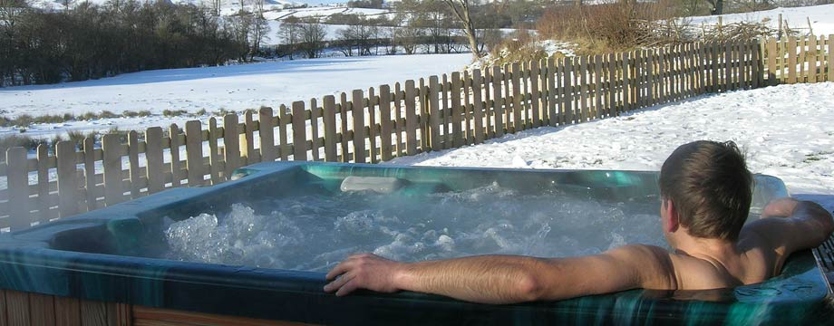 hot-tub-snow