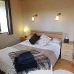 Brown bedroom - Lon Lodges self catering cottage holidays